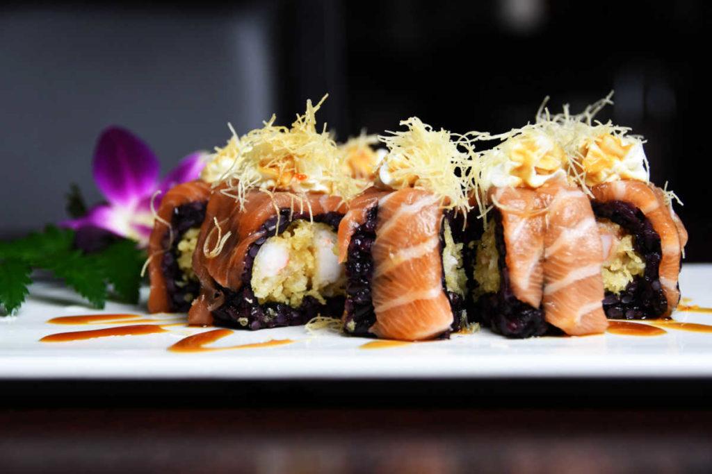 Koya Ristorante giapponese Torino sushi - roll salmone crudo riso