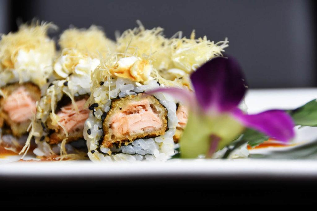 Koya Ristorante giapponese Torino sushi - roll salmone scottato